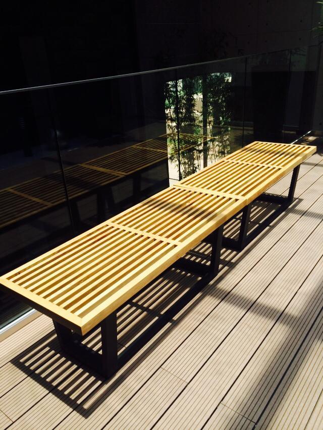 ghế-gỗ-ngoài-trời