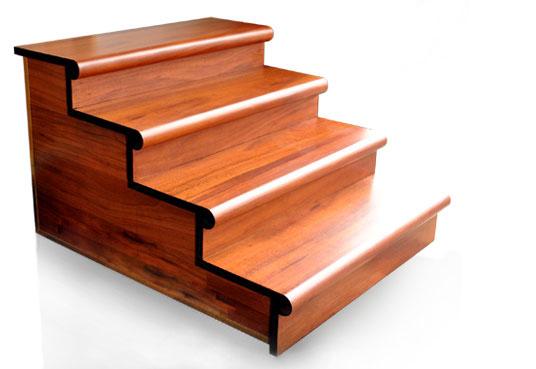 Cầu thang gỗ công nghiệp vê tròn đầu bậc