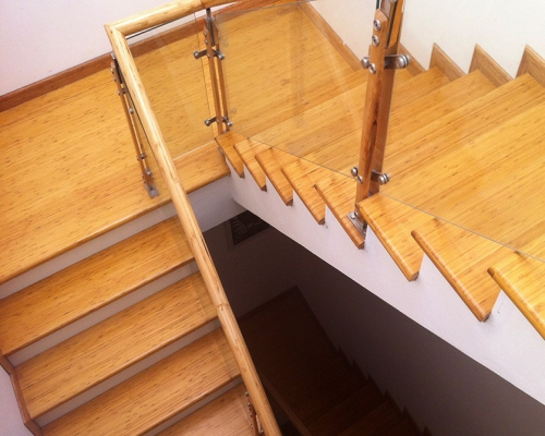 sàn tre cho cầu thang
