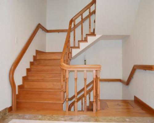 sàn tre lắp cho cầu thang
