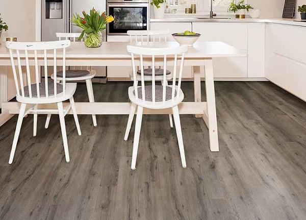 sàn gỗ châu Âu lát phòng bếp