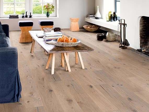 sàn gỗ châu Âu lát phòng khách